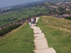England-GlastonburyTor-Group-2006.jpg (11843 bytes)