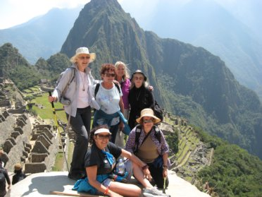 Peru-MachuPicchu-Group-Aug2012-Small.jpg (29032 bytes)